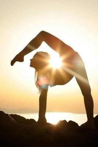 flexible-yoga-on-the-beach
